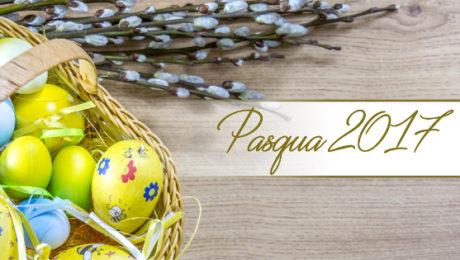 Pranzo di Pasqua uova colorate